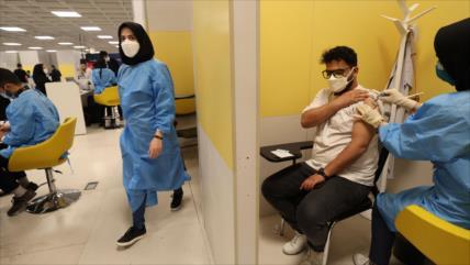 Irán autoriza uso de la vacuna monodosis rusa Sputnik Light