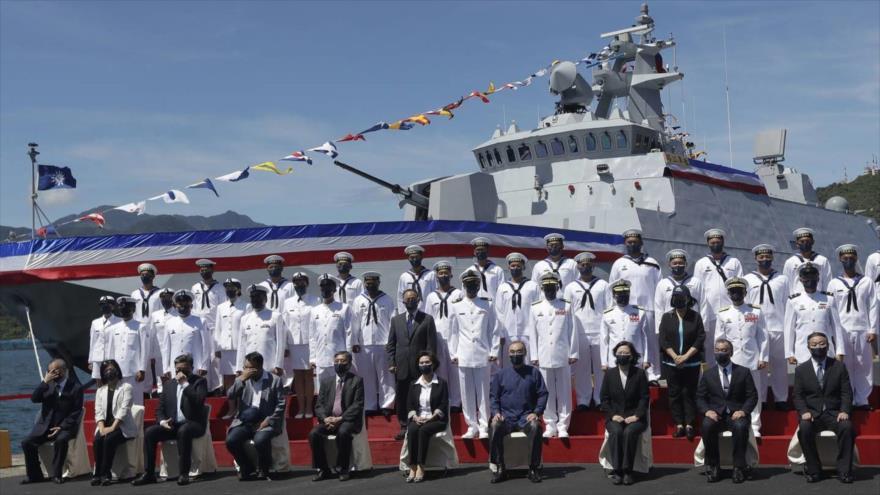 La ceremonia de puesta en servicios de una corbeta en la base naval de Suao, noreste de Taiwán, 9 de septiembre de 2021. (Foto: AP)