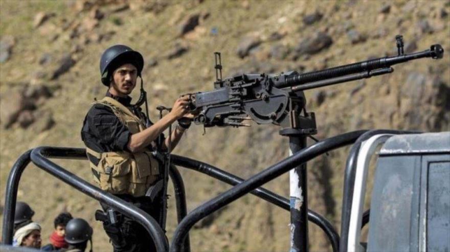 Un miembro de las fuerzas de los comités populares de Yemen, 26 de junio de 2021. (Foto: AFP)