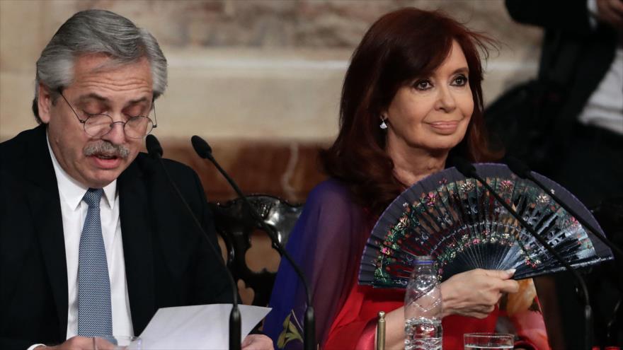 La vicepresidenta argentina, Cristina Fernández de Kirchner, y el presidente Alberto Fernández, 1 de marzo 2020. (Fuente: AFP)