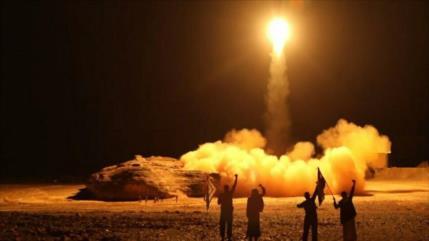 Fuerzas yemeníes golpean instalaciones vitales de Arabia Saudí