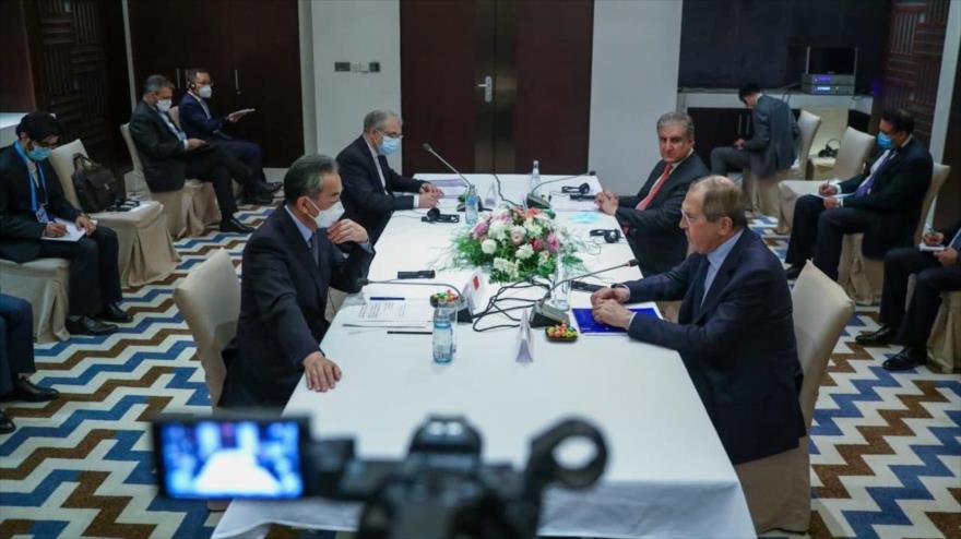Representantes de China, Irán, Paquistán y Rusia sostienen una reunión cuadrilátera al margen de una cumbre de líderes de la OCS, Dushanbé, Tayikistán, 16 de septiembre de 2021.