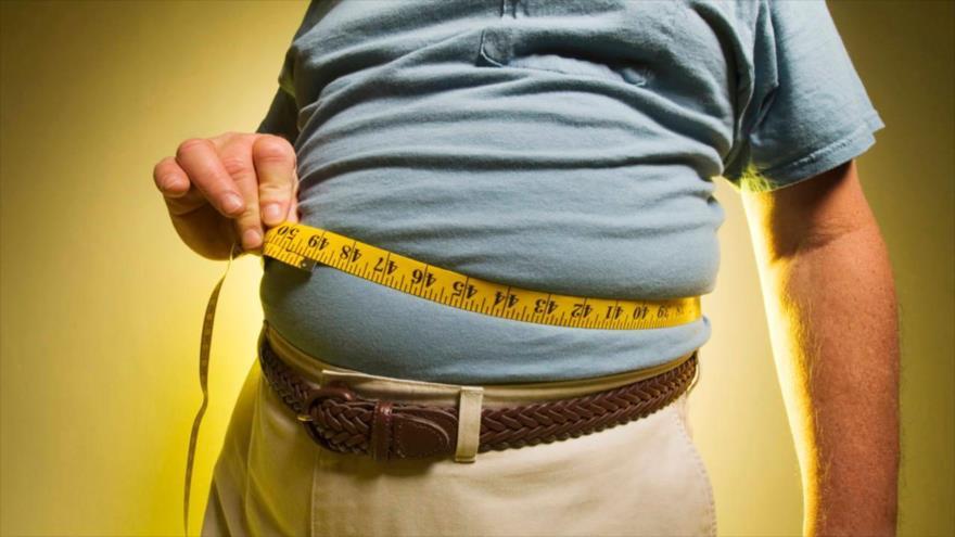 Científicos afirman que comer en exceso no es la causa principal de la obesidad.