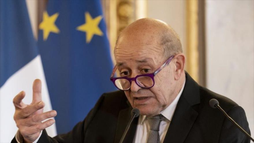 Francia llama a consultas a sus embajadores en EEUU y Australia