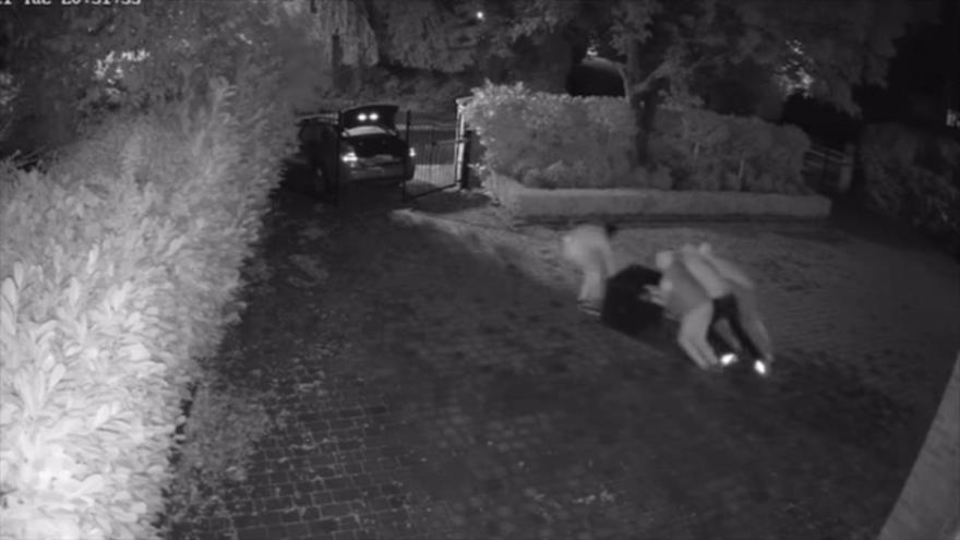 Jugador de Chelsea comparte vídeo del robo de su casa