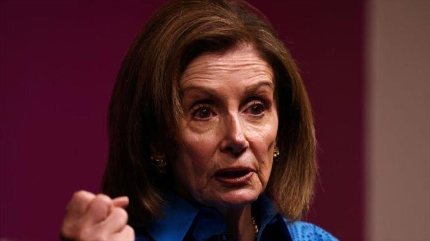 Congresista de EE.UU., Nancy Pelosi, ofrece su discurso durante un evento en Chatham House en Londres, El Reino Unido, 17 de septiembre de 2021. (Foto: Reuters)