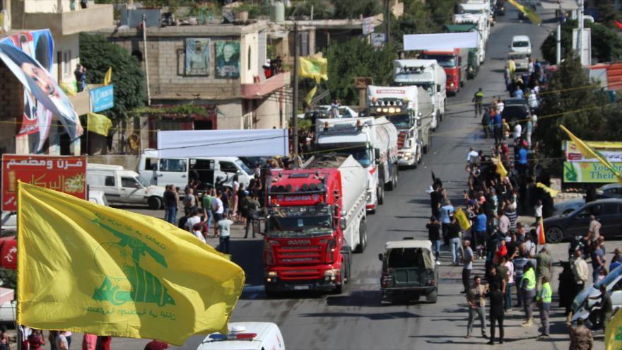 Libaneses celebran llegada de convoy de combustible iraní a su país, Bekaa, 16 de septiembre de 2021. (Foto: AFP)