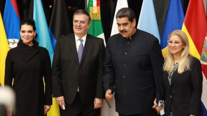 Canciller mexicano, Marcelo Ebrard, recibe el presidente venezolano, Nicolás Maduro, para la Cumbre Celac en México, 17 de septiembre de 2021. (Foto: SER)