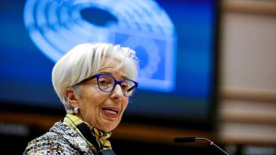 La presidenta del Banco Central Europeo, Christine Lagarde, habla en una sesión del Parlamento Europeo, 8 de febrero de 2021. (Foto: Reuters)