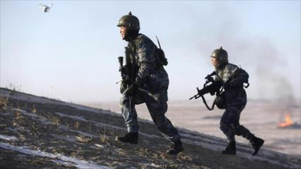 China envía equipos militares más avanzados a frontera con India