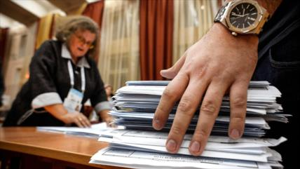El partido gobernante Rusia Unida lidera las legislativas rusas