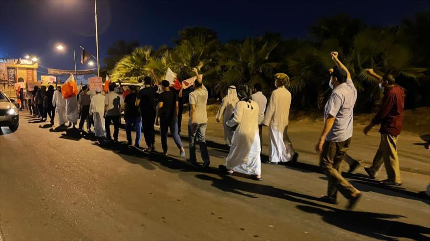 Vídeo: Protestas pacíficas piden reformas profundas en Baréin