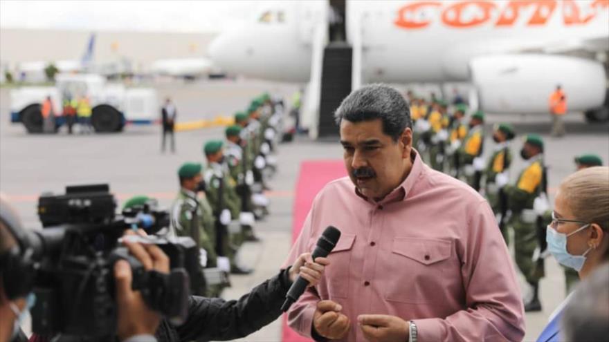 El presidente de Venezuela ofrece un breve balance de la VI cumbre de Celac en el Aeropuerto de la Ciudad de México, 19 de septiembre de 2021.