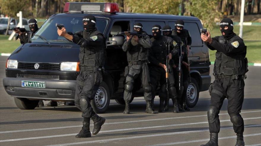 Fuerzas de seguridad iraníes durante una maniobra.