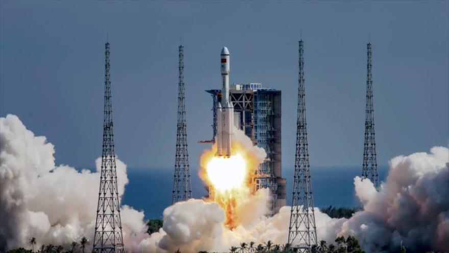 Nave Tianzhou-3 se acopla con módulo de estación espacial de China