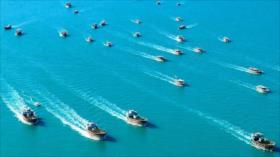 Desfile Naval en el Golfo Pérsico por la Semana de Defensa Sagrada