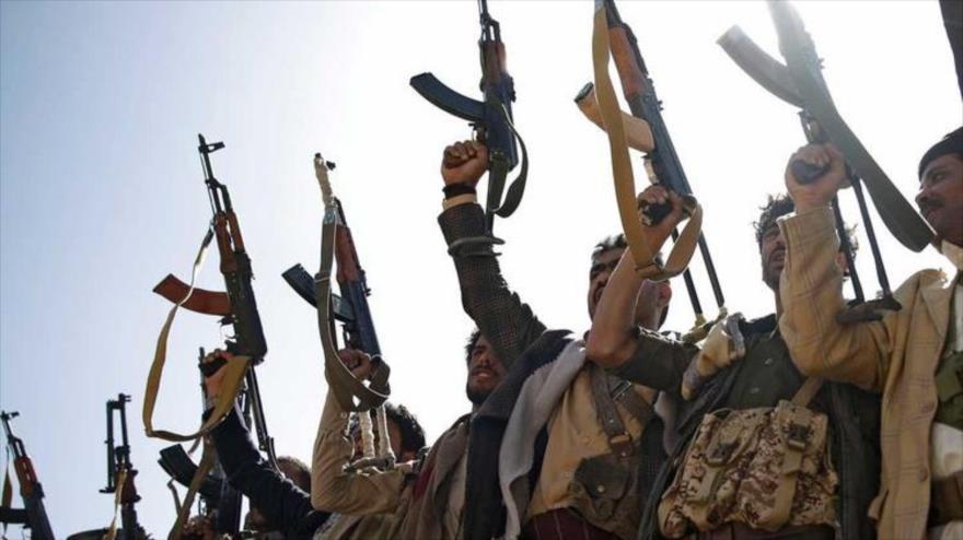 Combatiente del movimiento popular yemení Ansarolá. (Foto: AP)