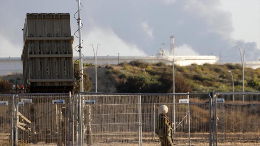 El sistema antimisiles israelí Cúpula de Hierro desplegado en la ciudad de Ascalón, 15 de mayo de 2021. (Foto: AFP)