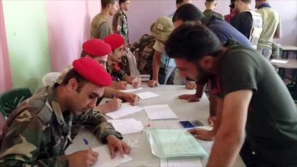 Siria besa la paz: Gran número de rebeldes deponen armas en Daraa