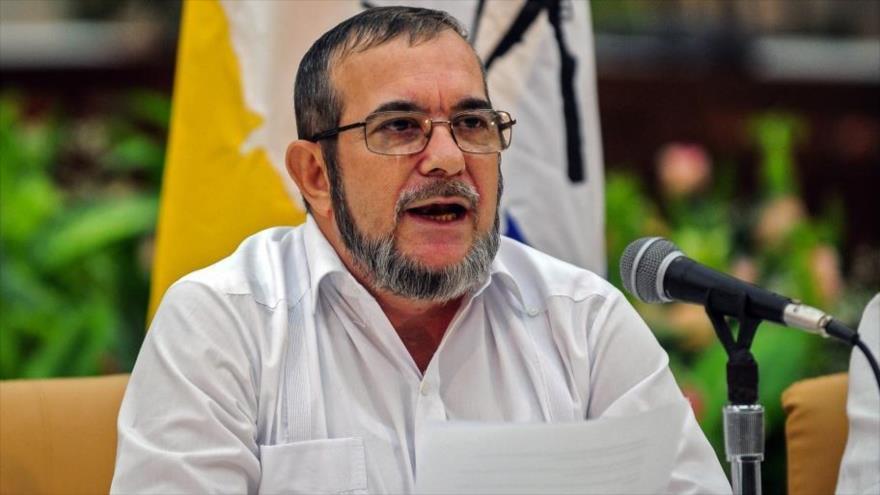 El líder del partido de izquierda Comunes, Rodrigo Londoño, alias Timochenko, durante una conferencia de prensa en La Habana, la capital de Cuba.