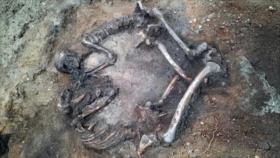Hallan una pareja enterrada hace 4000 años en forma de corazón