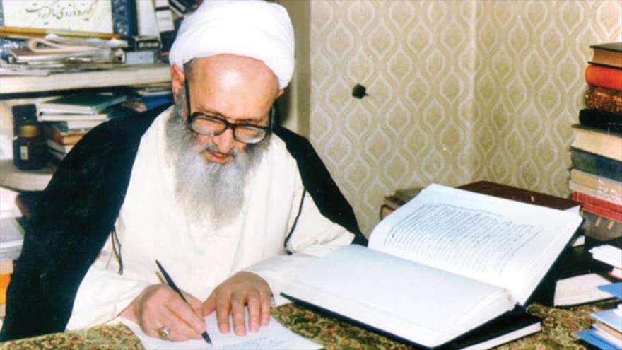 El difunto ayatolá Hasan Hasanzade Amoli.