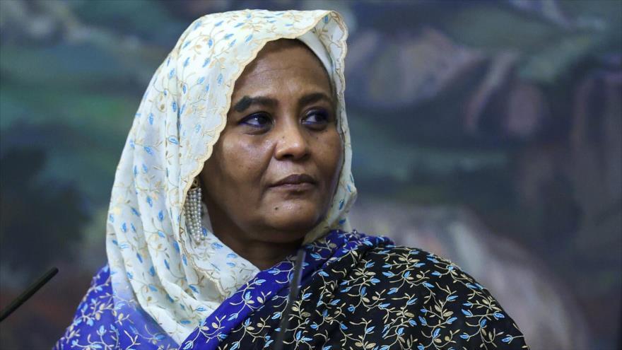 La ministra de Exteriores de Sudán, Mariam al-Sadiq al-Mahdi.