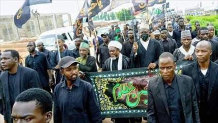 Policía de Nigeria reprime marcha de Arbaín; hay 8 muertos