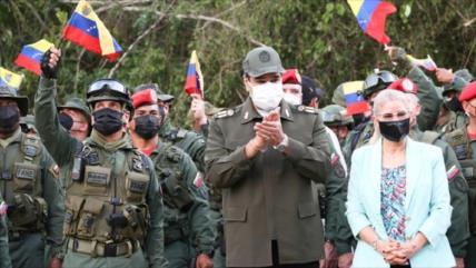 Maduro anuncia ejercicios militares para probar capacidad defensiva