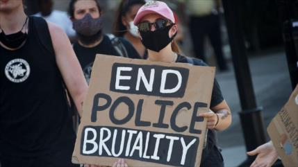 'Mayoría de asesinatos de negros por Policía de EEUU no se reporta'
