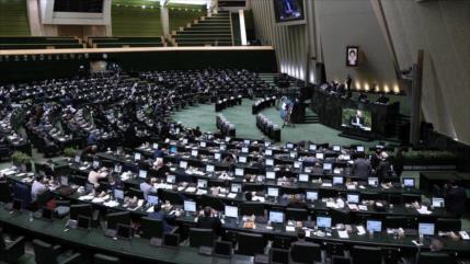 Parlamento iraní respalda ejercicios militares en noroeste de Irán