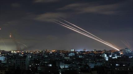 HAMAS exhibe su poderío militar: lanza 4 misiles hacia el mar