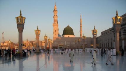 Musulmanes de luto por el fallecimiento del Profeta del Islam