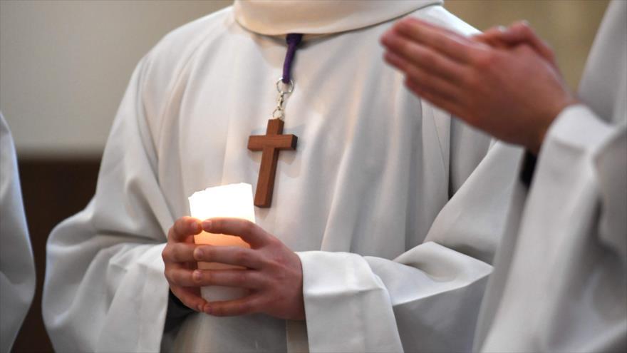 Informan de 216 000 víctimas de pederastas de Iglesia francesa   HISPANTV