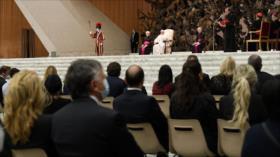 Papa expresa su vergüenza por abusos sexuales de la Iglesia francesa