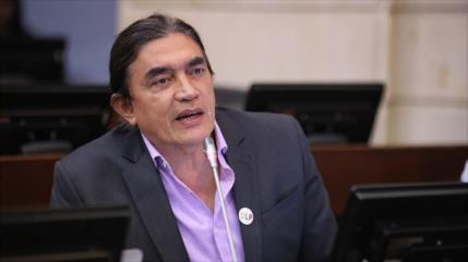 """Un senador opositor colombiano sale país por """"múltiples amenazas"""""""
