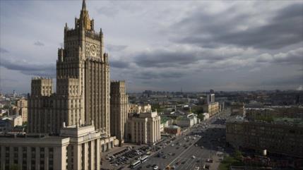 Rusia amenaza con medida recíproca si EEUU expulsa a diplomáticos