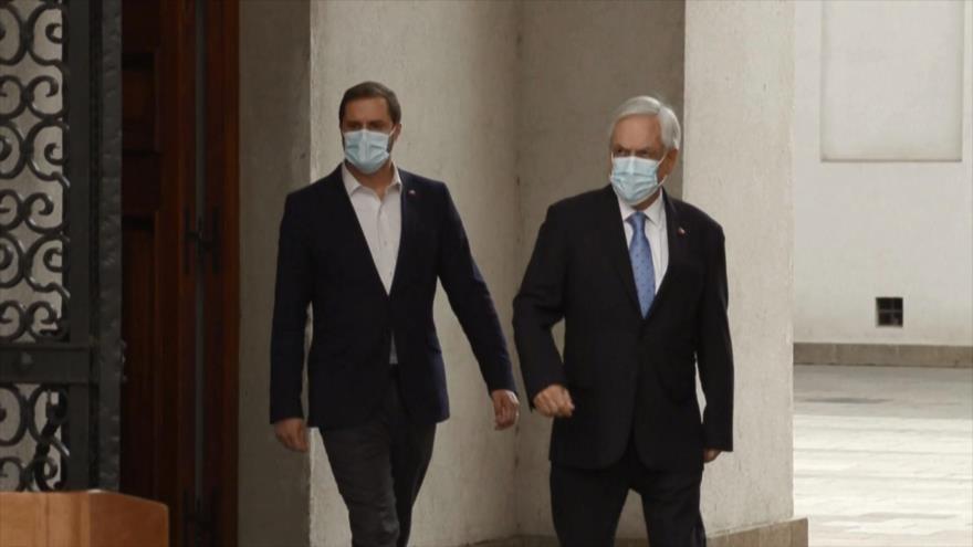 Sebastián Piñera, bajo presión para renunciar a su cargo