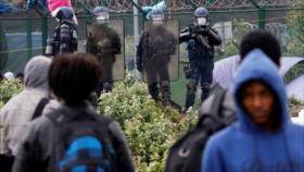 """HRW denuncia """"tratos degradantes"""" de Francia a migrantes en Calais"""