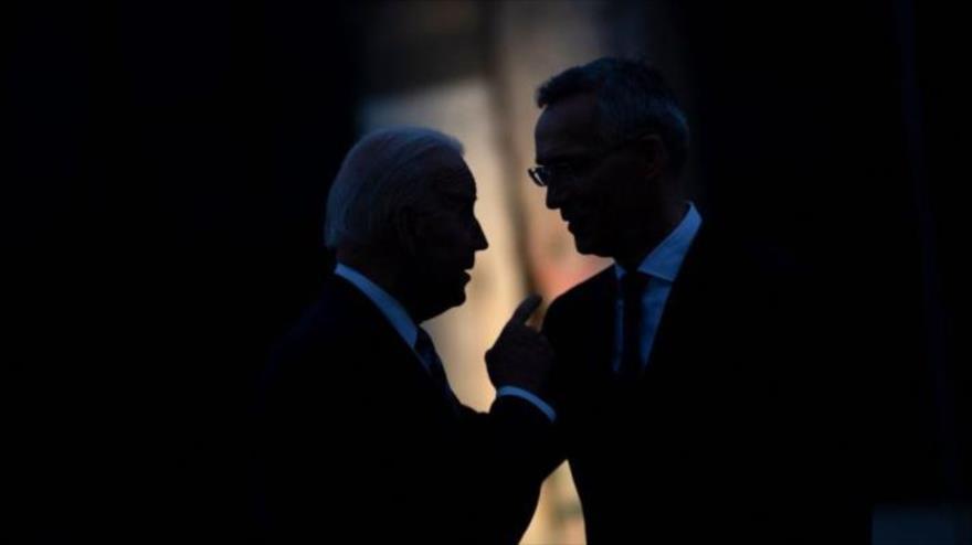 El presidente de EE.UU., Joe Biden, (izq.) y el secretario general de la OTAN, Jens Stoltenberg, Bruselas (capital belga), 14 de junio de 2021. (Foto: AFP)