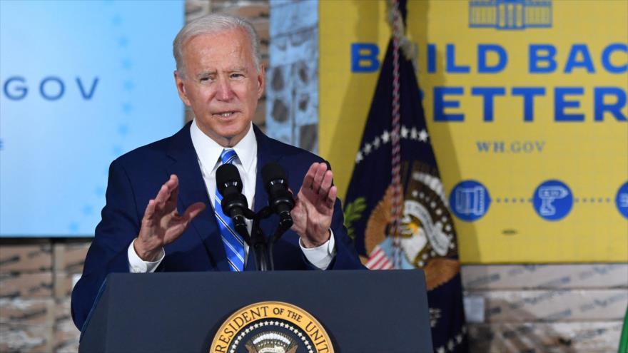 El presidente de EE.UU., Joe Biden, ofrece una rueda de prensa en Elk Grove Village, Illinois, 7 de octubre de 2021. (Foto: AFP)