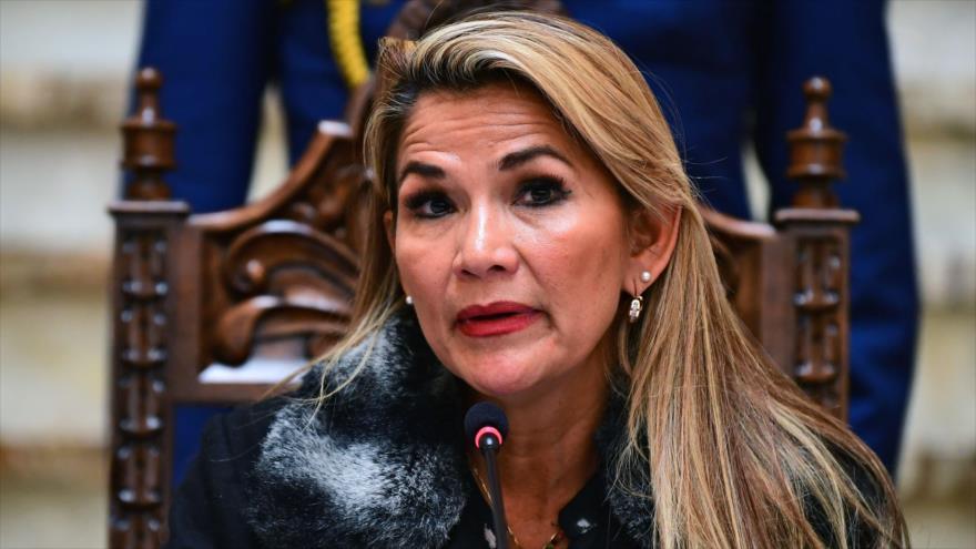 Jeanine Áñez, la autoproclamada presidenta interina de Bolivia, en rueda de prensa, La Paz, Bolivia, 15 de noviembre de 2019. (Foto: AFP)