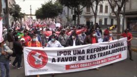 Marchan en Perú en respaldo a la nueva ministra de Trabajo