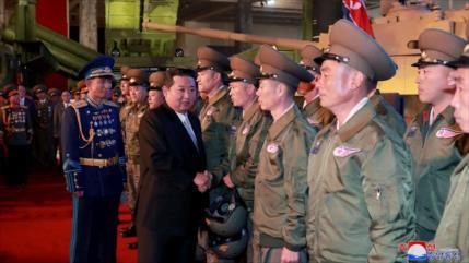 """Kim promete crear Ejército """"invencible"""" ante hostilidad de EEUU"""