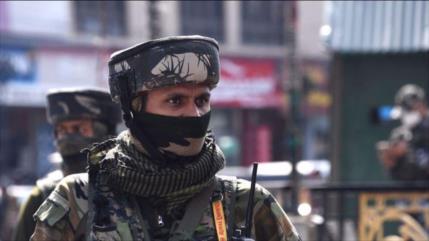 Vídeo: Policía india reprime con mano dura a musulmanes en Cachemira