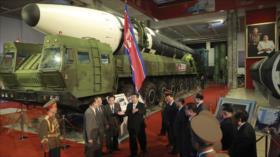 Corea del Norte exhibe nuevas armas, destacando su poderío militar