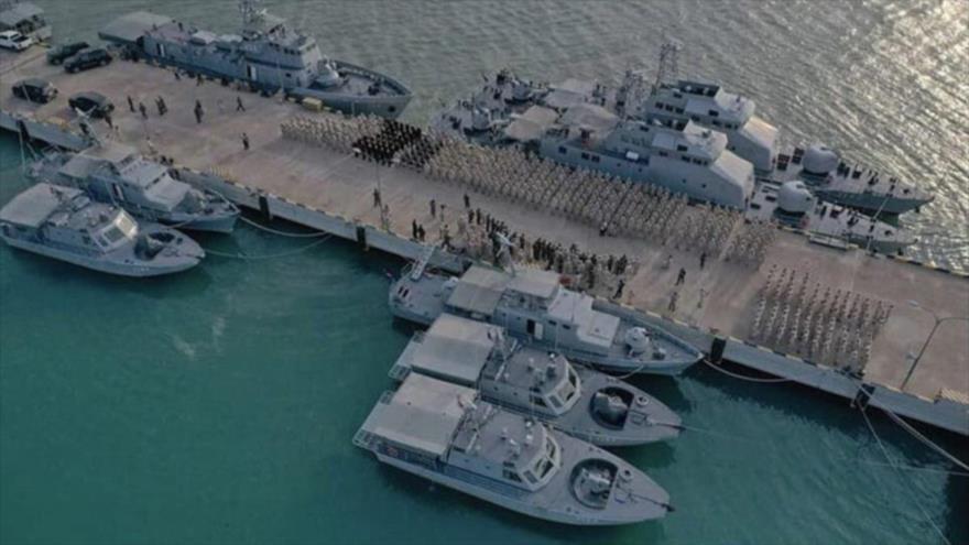 Varios buques atracados en la Base Naval de Ream en Camboya.