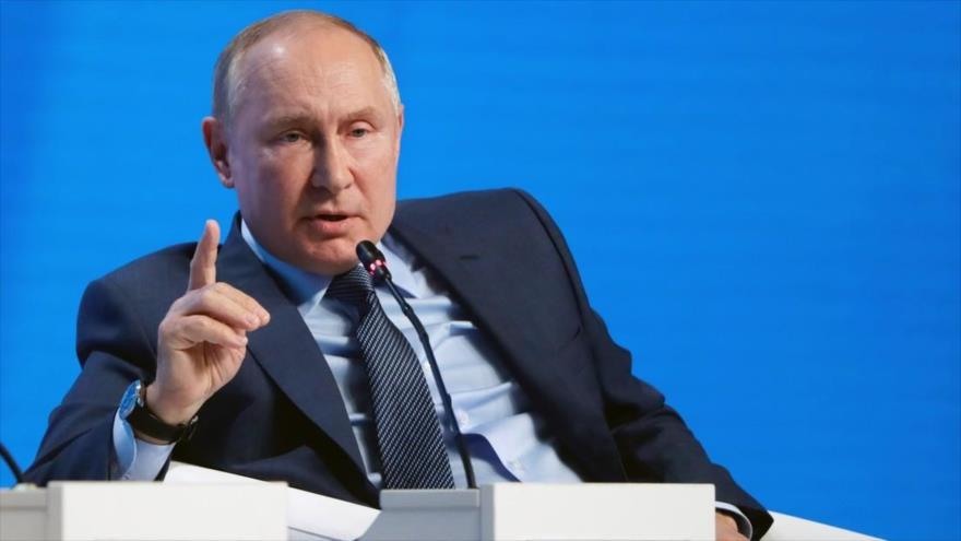 """El presidente de Rusia, Vladimir Putin, en una sesión en el marco de """"La semana energética de Rusia"""", Moscú, 13 de octubre de 2021. (Fuente: Sputnik)"""