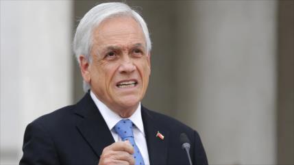 """""""Fracaso de Estado"""": Piñera, criticado por orden de militarización"""