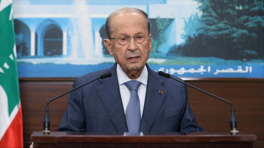 El presidente libanés, Michel Aoun, ofrece un discurso televisivo en Beirut, El Líbano, 14 de octubre de 2021. (Foto: AFP)